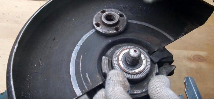 1523691073 10 - Простой способ открутить гайку крепления диска на болгарке