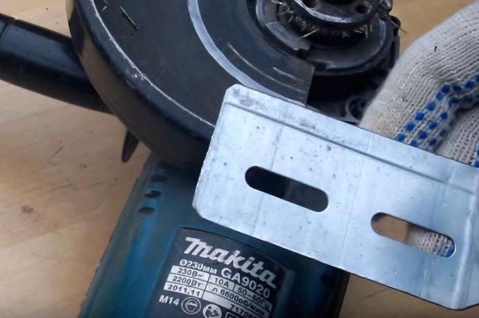 1523691109 6 - Простой способ открутить гайку крепления диска на болгарке