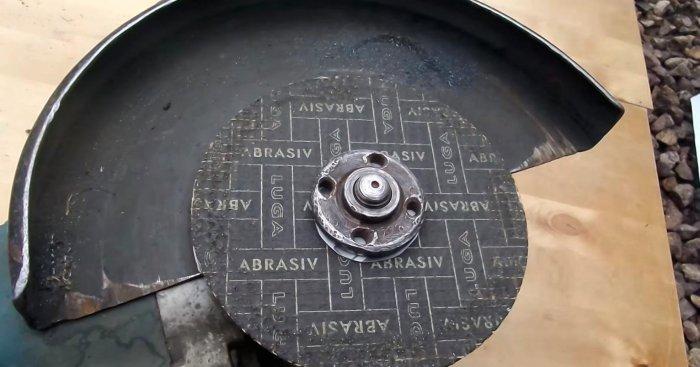 1523691122 13 - Простой способ открутить гайку крепления диска на болгарке