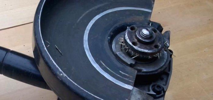 1523691127 5 - Простой способ открутить гайку крепления диска на болгарке