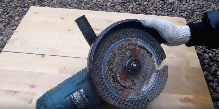 1523691133 1 - Простой способ открутить гайку крепления диска на болгарке
