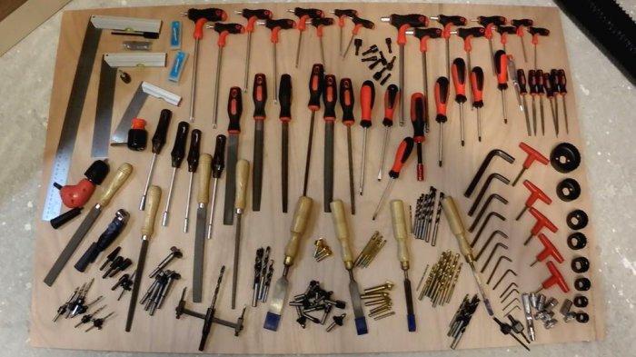 1523855890 28 - Делаем держатели для инструментов в гараже