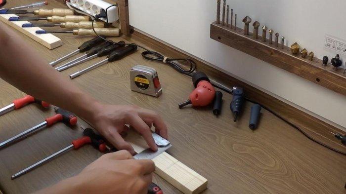1523855898 6 - Делаем держатели для инструментов в гараже