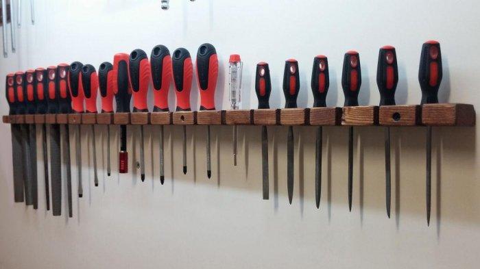 1523855934 32 - Делаем держатели для инструментов в гараже