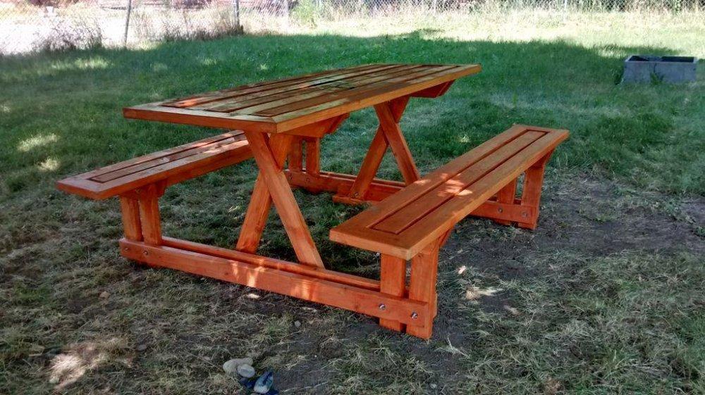 Стол с лавками для сада