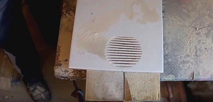 1525432618 4 - Вырезаем круглое отверстие в плитке с помощью болгарки