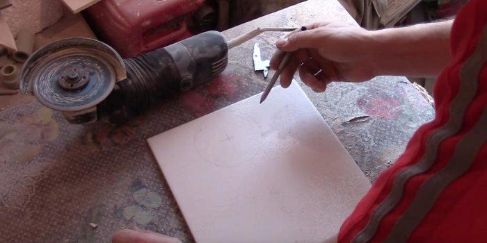 1525432631 1 - Вырезаем круглое отверстие в плитке с помощью болгарки