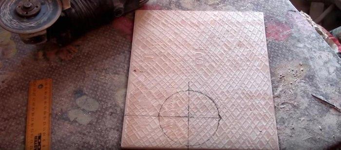1525432704 2 - Вырезаем круглое отверстие в плитке с помощью болгарки