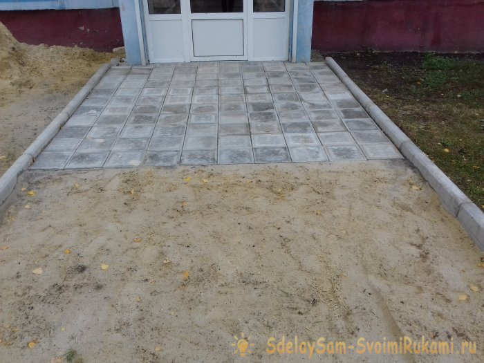 Paving tile advantages and do-it-yourself installation