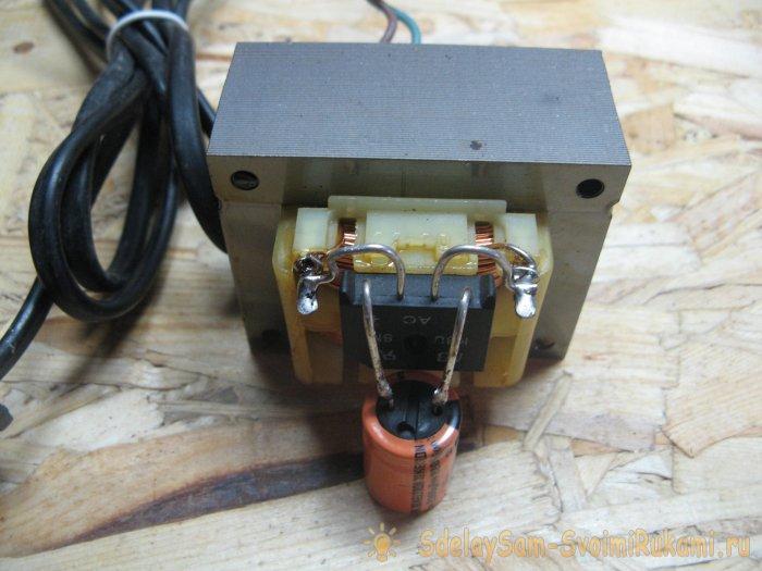 Simple adjustable power supply