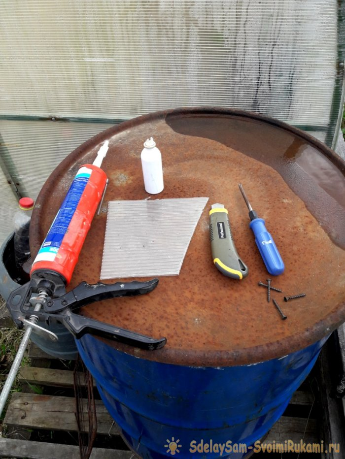 How to patch a hole in a polycarbonate greenhouse