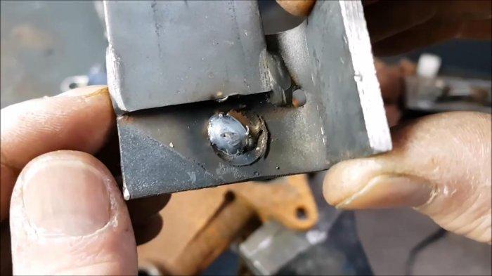 1530465112 16 - Как выкрутить обломанную шпильку