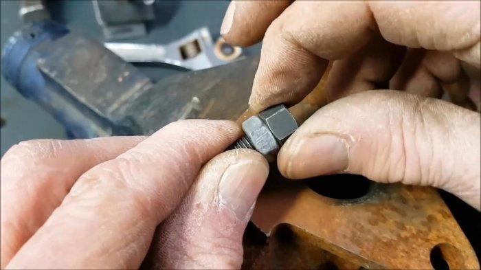 1530465139 19 - Как выкрутить обломанную шпильку