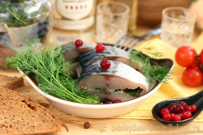 7 способов быстро и вкусно засолить скумбрию в домашних