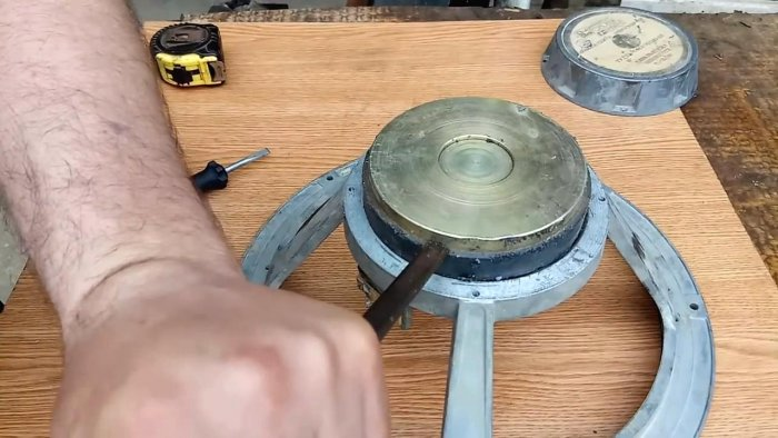 Как снять магнит не сломав его