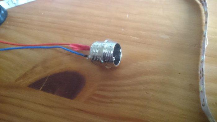 Простая светодиодная лампа-трубка
