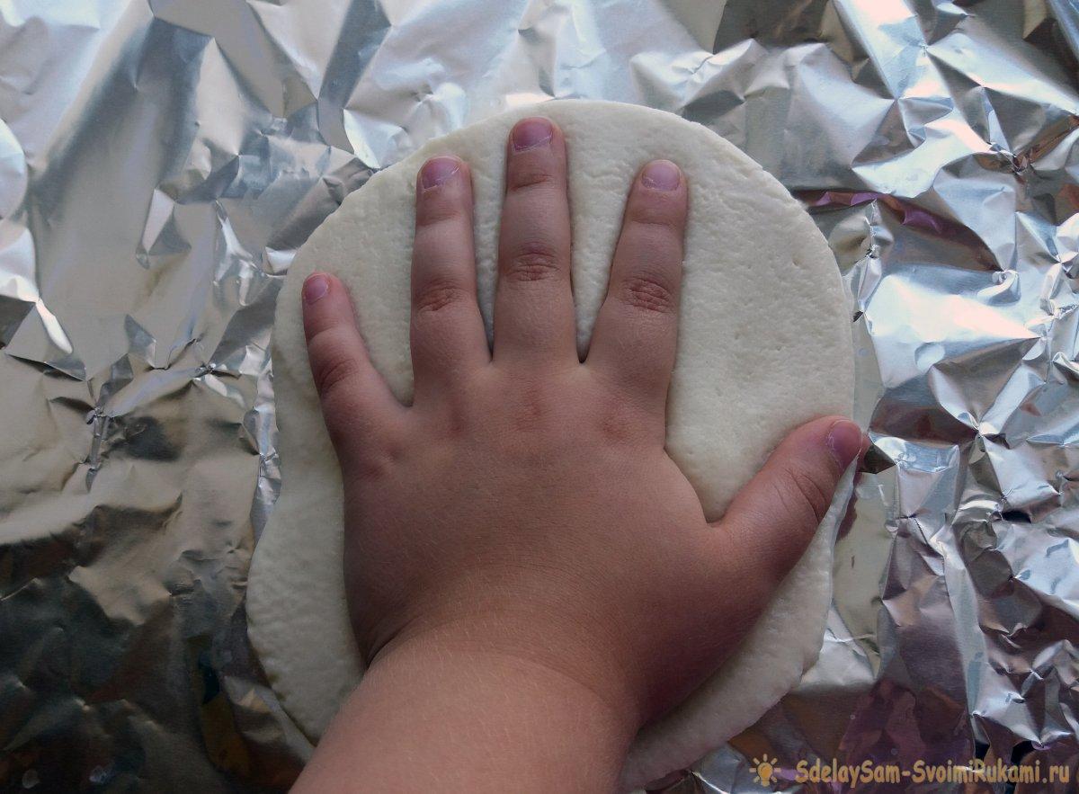 Как сделать отпечаток ладони ребенка на память