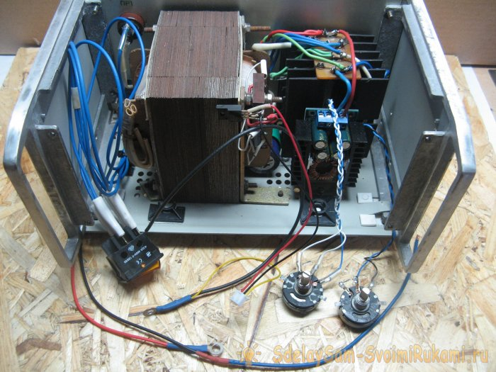Reliable laboratory power supply