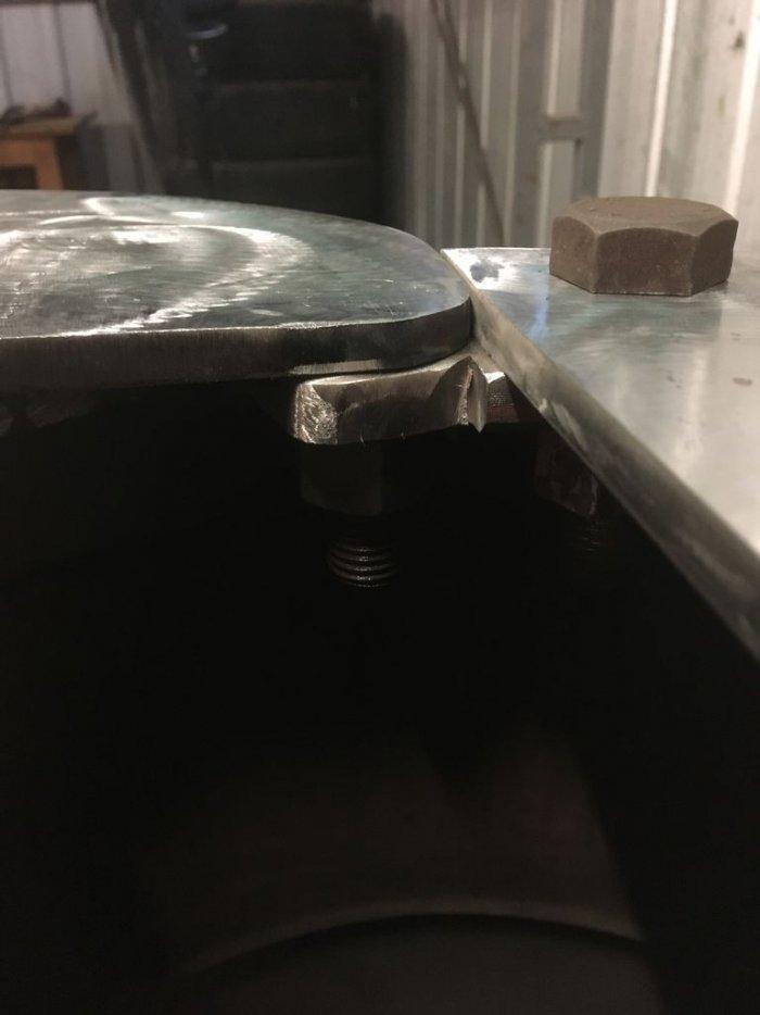 Буржуйка из старых дисков