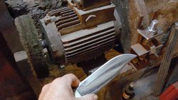 The simplest device for sharpening knives at 30 degrees