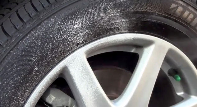 1538475689 2 - Простой способ удаления царапин на дисках Вашего автомобиля