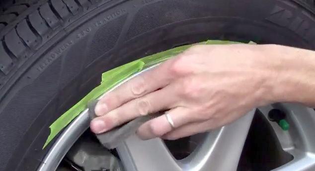 1538475753 4 - Простой способ удаления царапин на дисках Вашего автомобиля