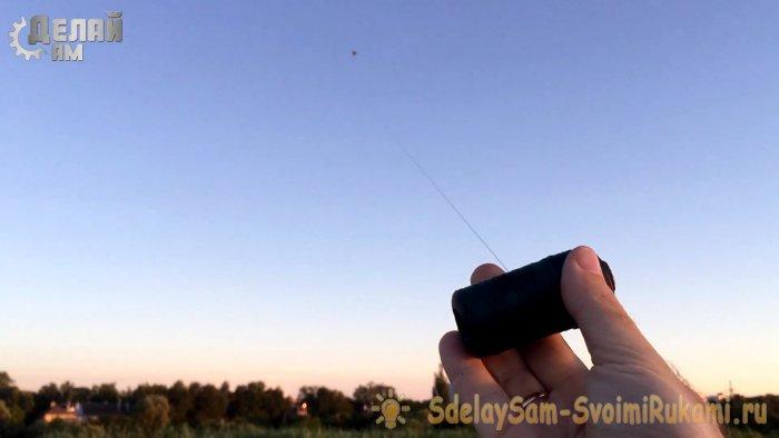 Как сделать воздушного змея из обыкновенного пакета