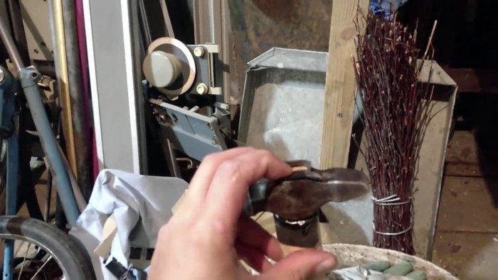 1542185878 13 - Лучший способ насадить молоток на рукоять без клина