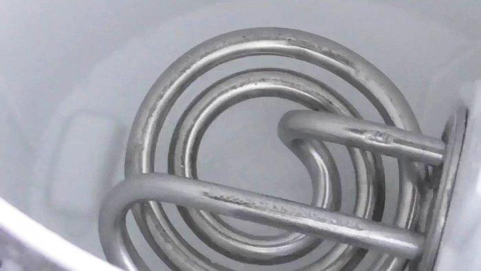 Как просто и доступно очистить от накипи электрочайник