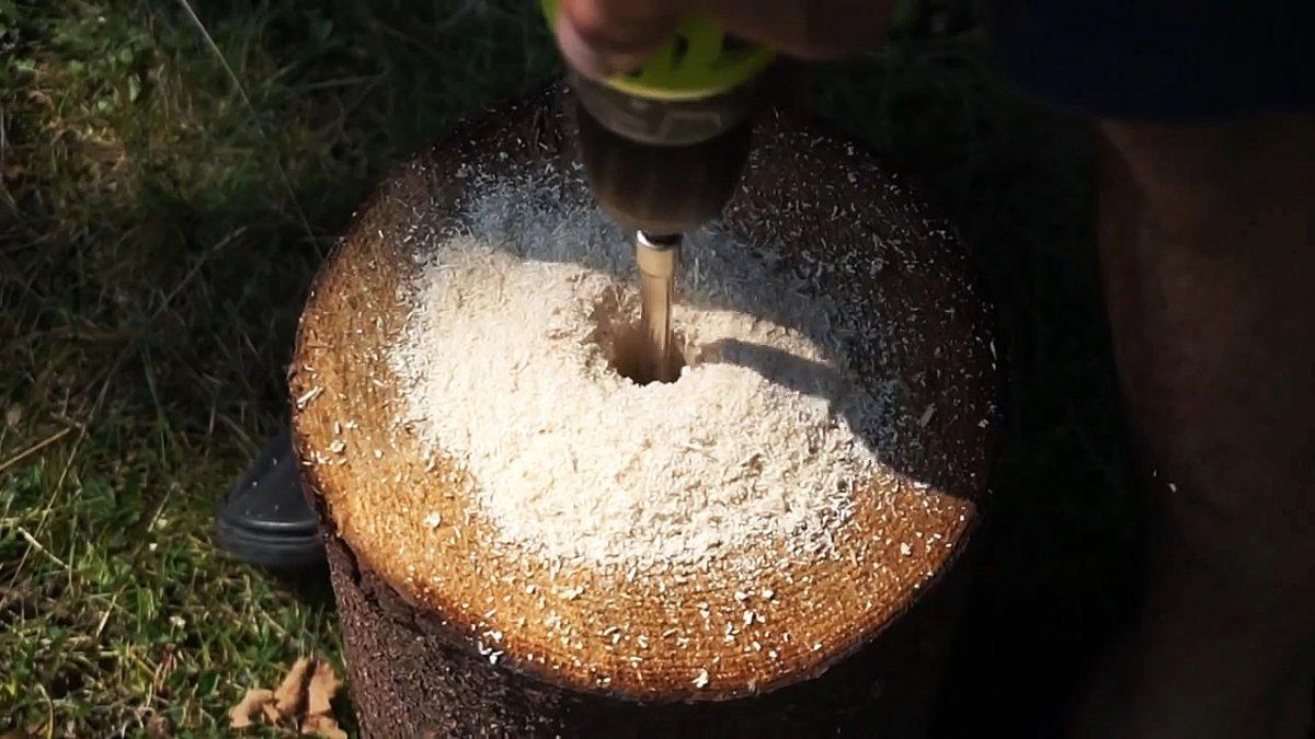 Три варианта изготовления финской свечи из бревна