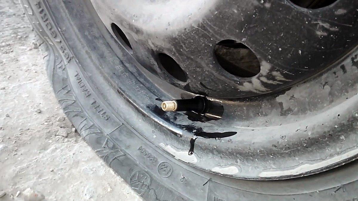 Замена вентиля за 20 секунд без снятия колеса