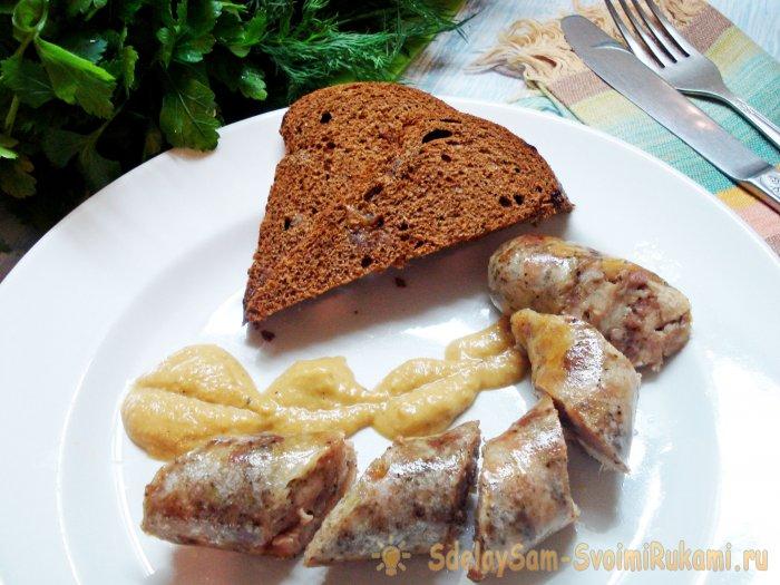 Вкусная и недорогая домашняя колбаса из куриных бедер