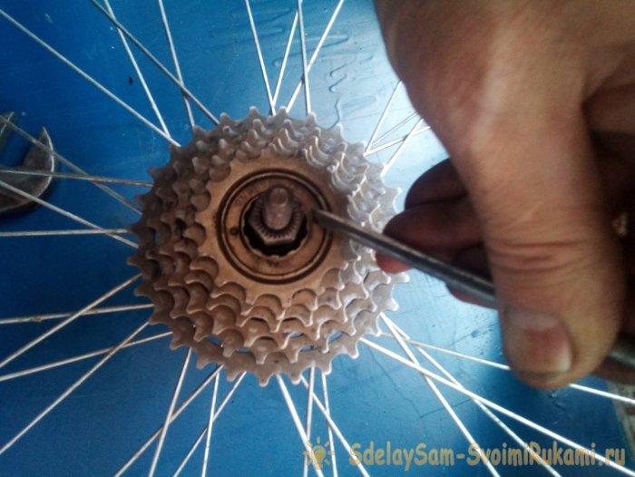 Разборка профилактика и сборка задней втулки и трещотки велоколеса