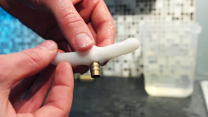 Термопластик самозатвердевающий материал для ремонта и творчества