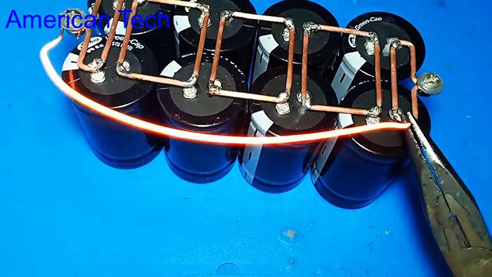 Батарея на суперконденсаторах