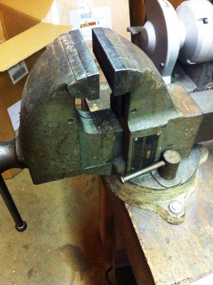 Как сделать шестигранное отверстие в металле