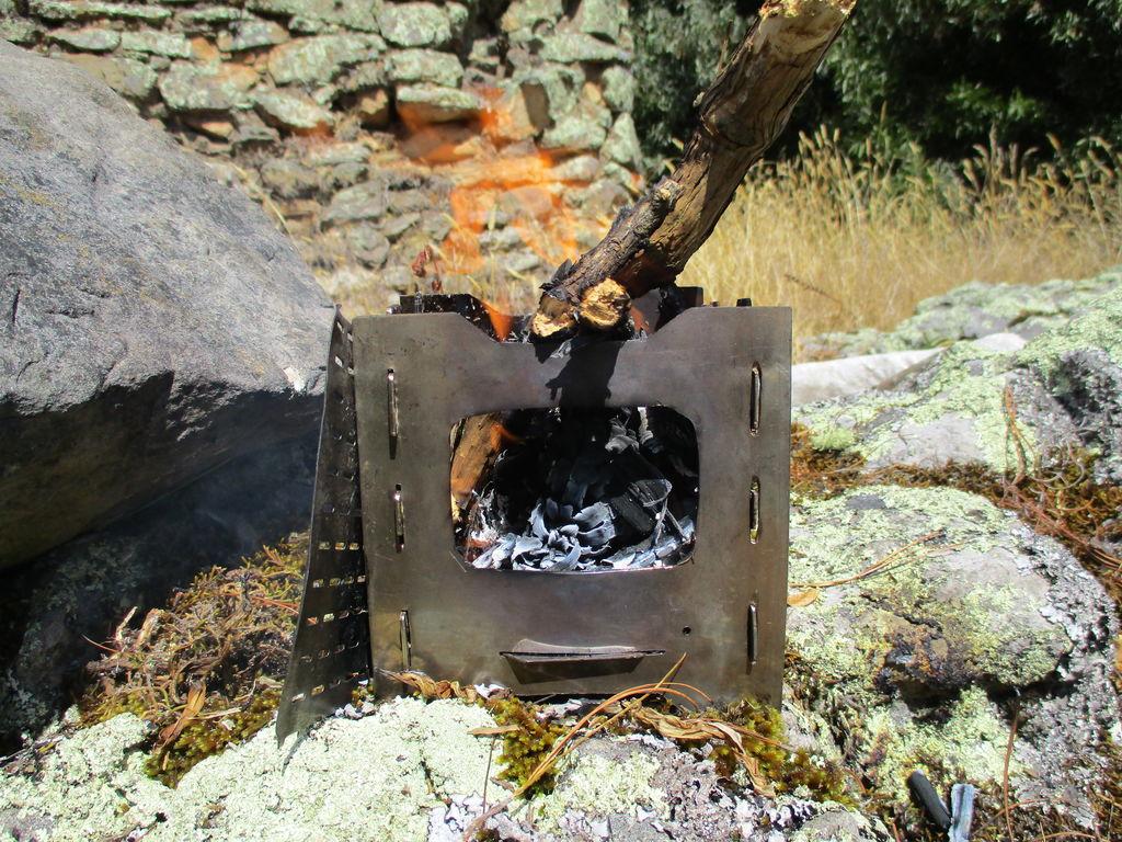 Как сделать складную карманную печку для готовки в походе
