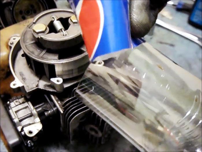 Плохо заводится бензокоса Отрегулируйте зазор магнето