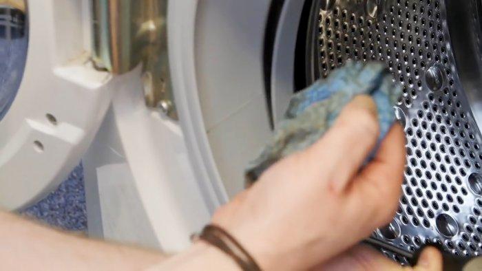 Как вытащить из стиральной машины мелкие предметы попавшие за барабан