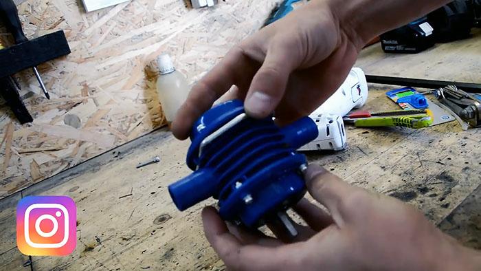 Самодельный мотоопрыскиватель из мотокосы