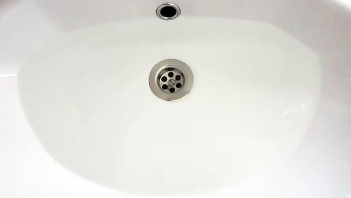 Что делать если вода не уходит из раковины