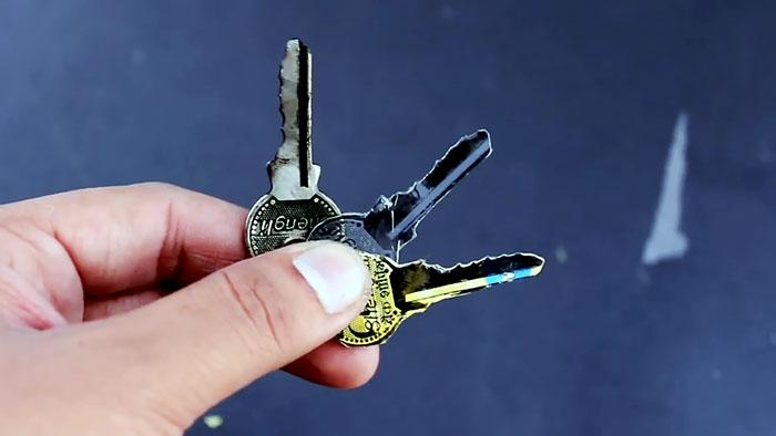 Как сделать дубликат ключа за 2 минуты    Ключ от всех замков своими руками
