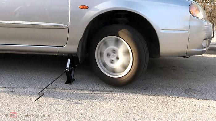 1564141910 7 - Интересный способ завести автомобиль с разрядившимся аккумулятором