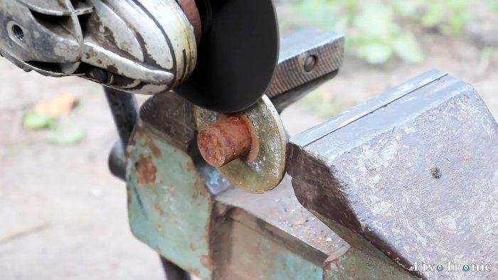 Съемное приспособление для вырезания кругов в листовом металле с помощью болгарки