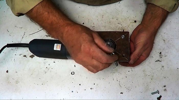 1564828063 18 - Делаем ножовку из болгарки