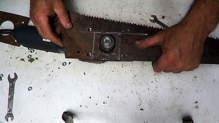 1564828102 20 - Делаем ножовку из болгарки