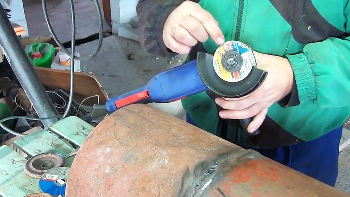 1565346549 2 - Как сделать ровное круглое отверстие с помощью болгарки