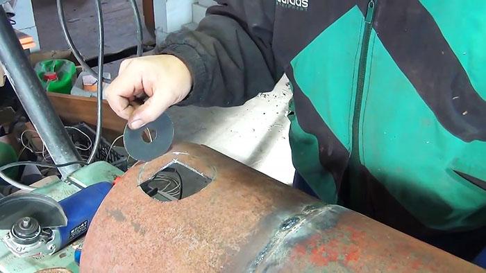 1565346579 3 - Как сделать ровное круглое отверстие с помощью болгарки