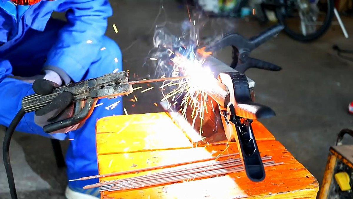 Как сделать наковальню из старого куска рельса