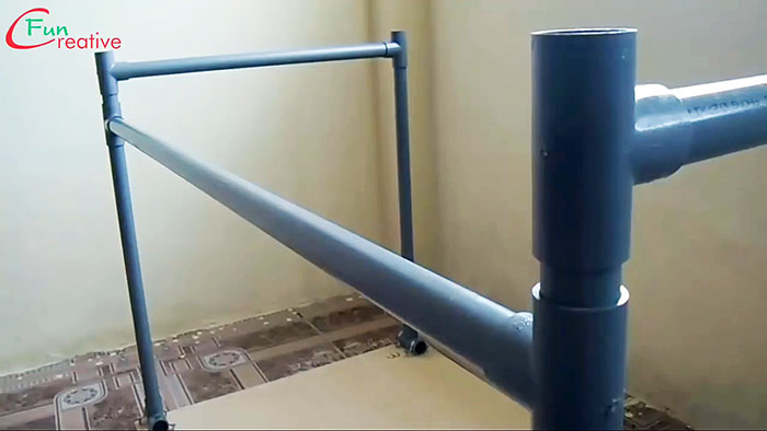 Как быстро сделать рабочий стол из ПВХ труб